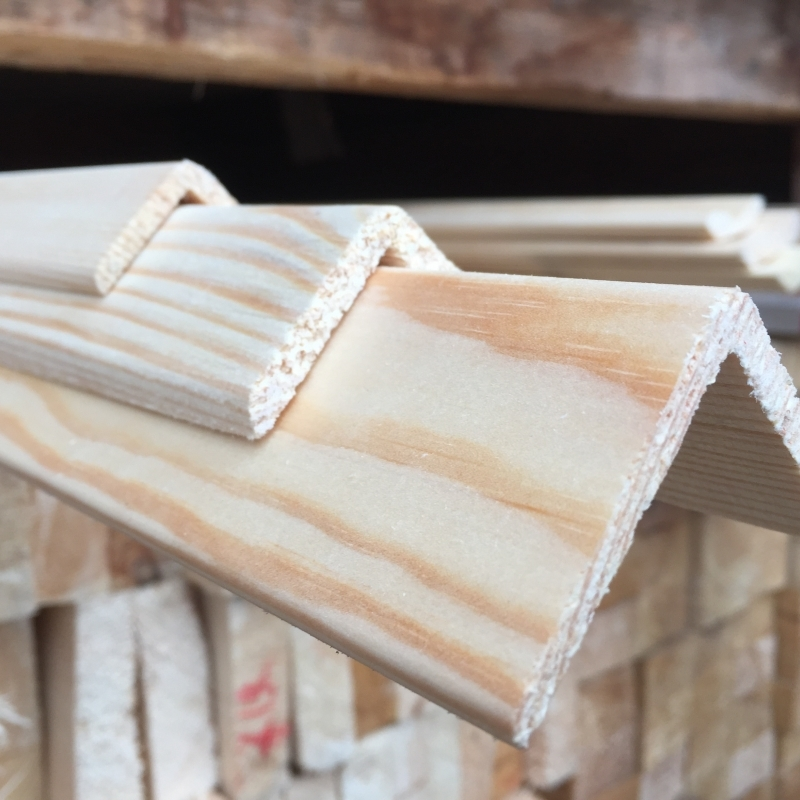 Уголок деревянный 30*3000 мм