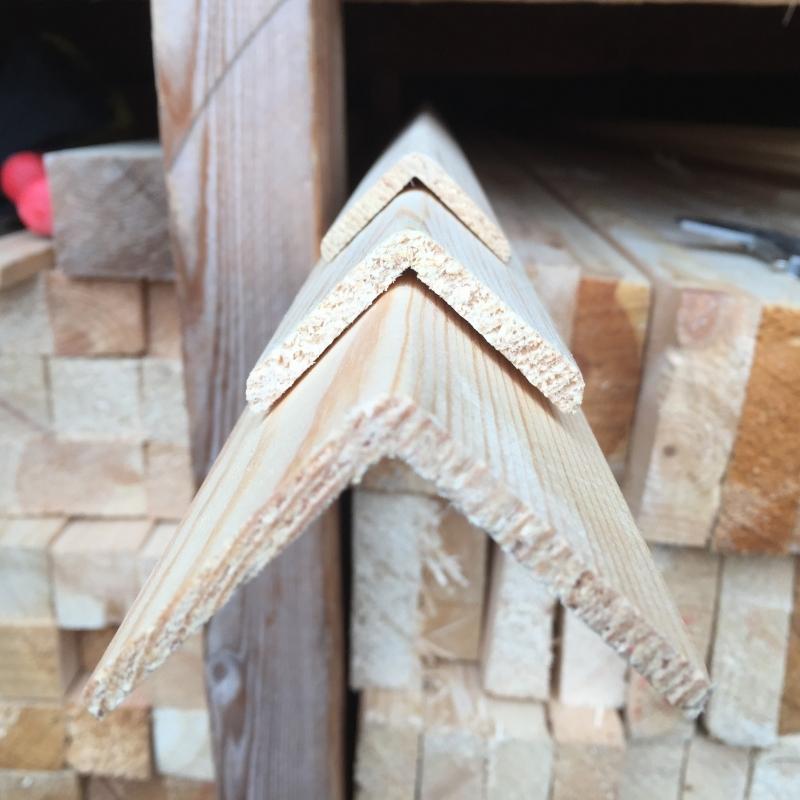 Уголок деревянный 40*3000 мм